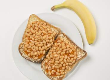 Baked beans with 2 slices of wholemeal toast and lower fat spread, followed by a banana