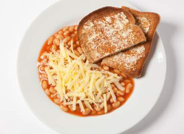 Baked beans, slice of wholemeal toast, with low fat spread and grated cheddar cheese