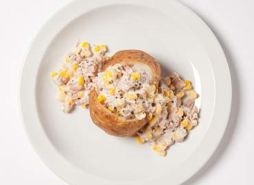 Baked potato with tuna and sweetcorn mayonnaise filling